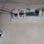 CPLD auf dem Breadboard, Stromversorgung und Programmierkabel